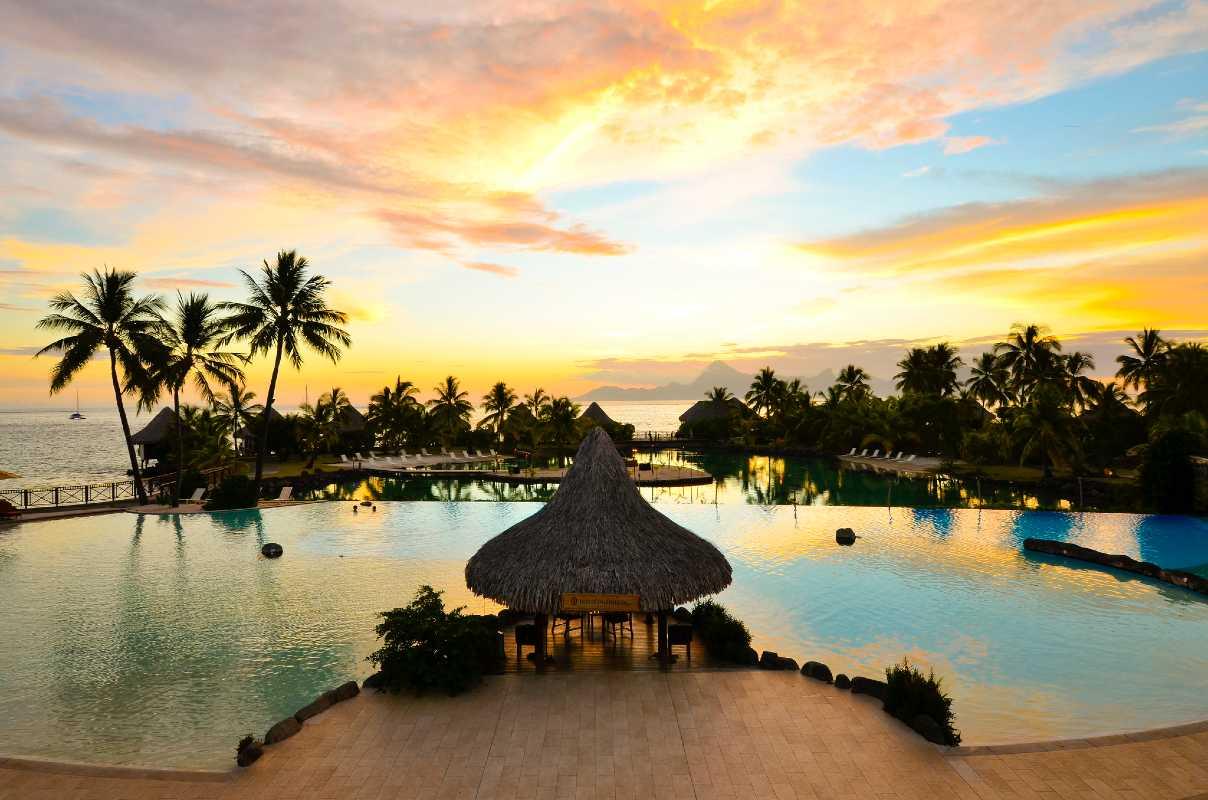Gold partenaire du Digital Festival Tahiti 2018, l'InterContinental Tahiti Resort & SPA au sunset
